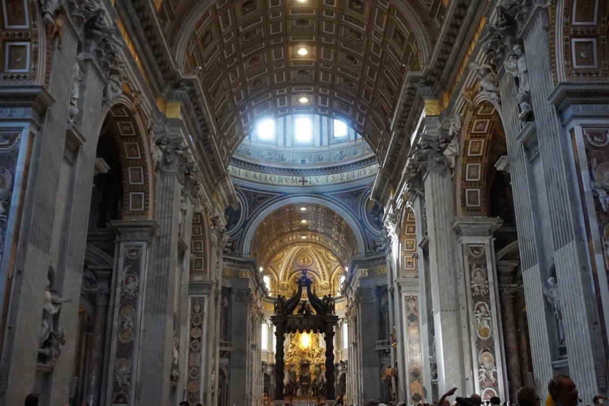 Nave central de la Basilica de San Pedro
